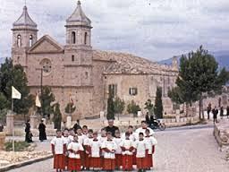 Escolans de Sant Marçal, anys 60-70 (arxiu mn. Llorenç Miquel)