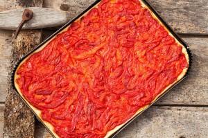Coca de pebres torrats, imatge: Bojos per la cuina