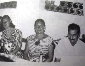 PI Langa, Maria Dolors, -al centre- de Santa Teresa, amb companys