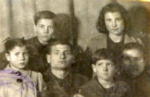 07j-familia-de-cas-ferrer-1941-tomeu-toni-margalida-i-fap