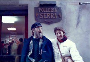 1985. Amb Margalida Mas, a Besalú.