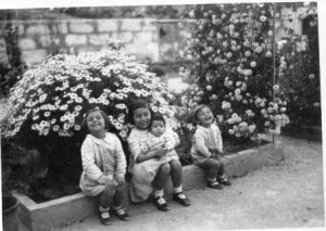 part-de-la-familia-yarza-colomar-a-portol-10-pilar-maria-antonia-antoni-i-rosarito